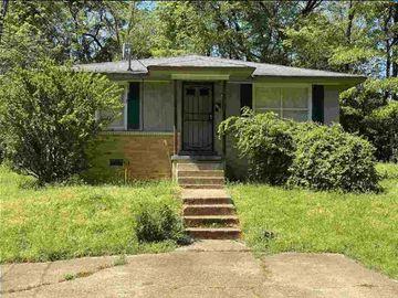 2381 LINDBERGH, Memphis, TN, 38114,