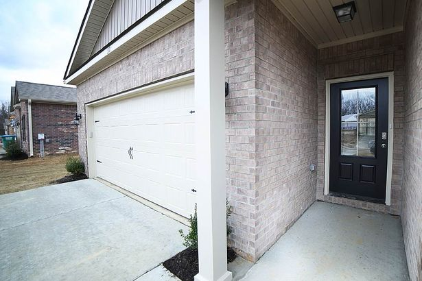 341 COLONIAL HEIGHTS
