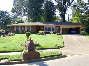3743 CHARLES, Memphis, TN, 38116,