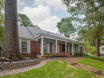 3950 E LAKEMONT, Memphis, TN, 38128,