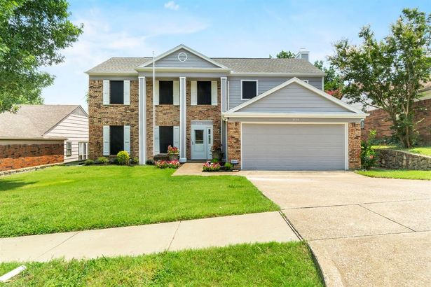 2126 Country Oaks Drive