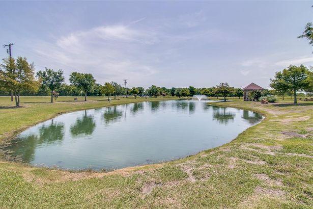 310 Fountain View Lane