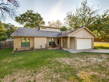 2701 Butler Drive, Arlington, TX, 76012,