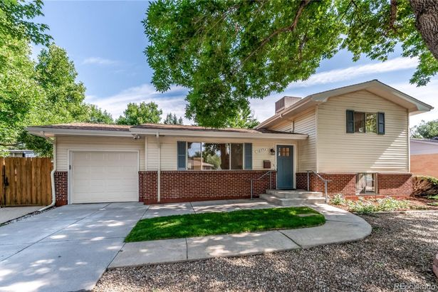 10773 W 67th Place