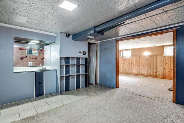 2745 S Zurich Court