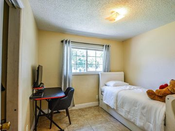 1136 E 8th Street, Stockton, CA, 95206,