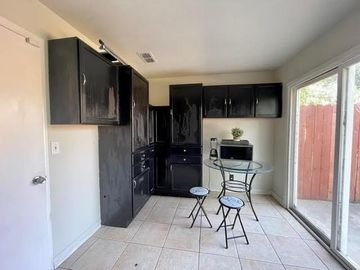 875 Maplegrove Way, Sacramento, CA, 95834,
