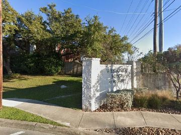 2126 Village Pkwy, San Antonio, TX, 78251,