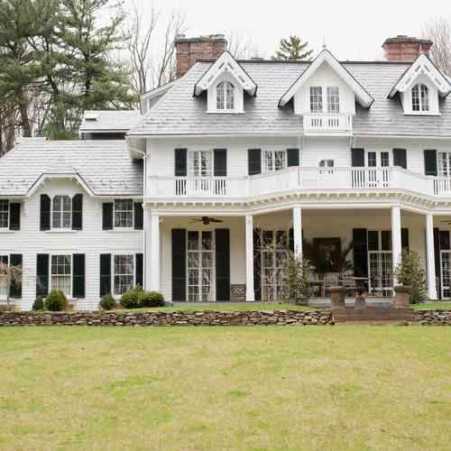 Colonial Farmhouse Style