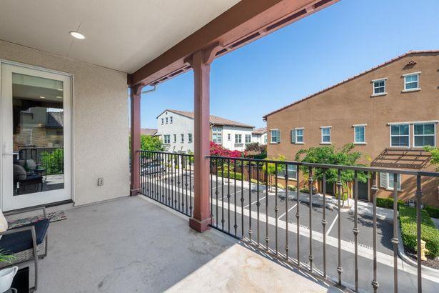 524 Crown Point Terrace