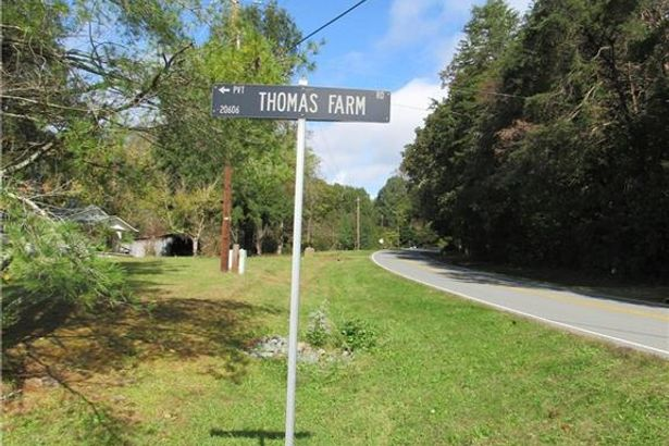 64 +/- Thomas Farm Road
