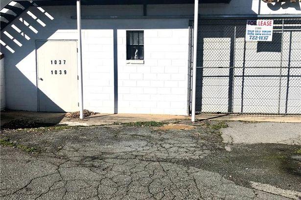 1037-1039 Burke Street #Basement