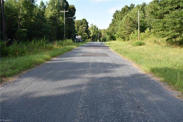 5178 Darr Road
