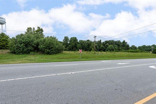 3406 US Highway 220