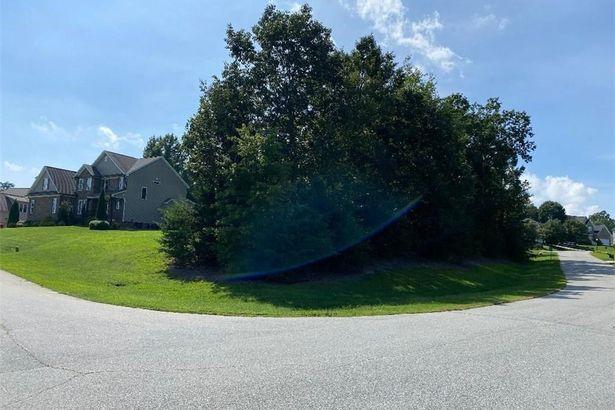 2411 S Tuckers Farm Court