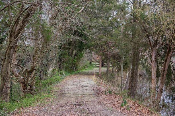 1519 Skeet Club Road