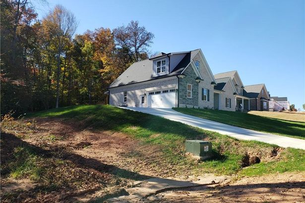 161 Pipers Ridge West