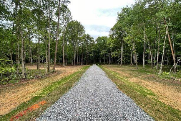 140 Oak Grove Trail