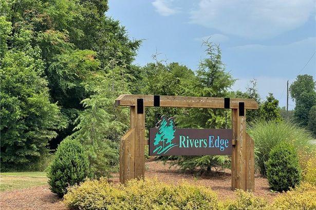 2529 Rivers Edge Road