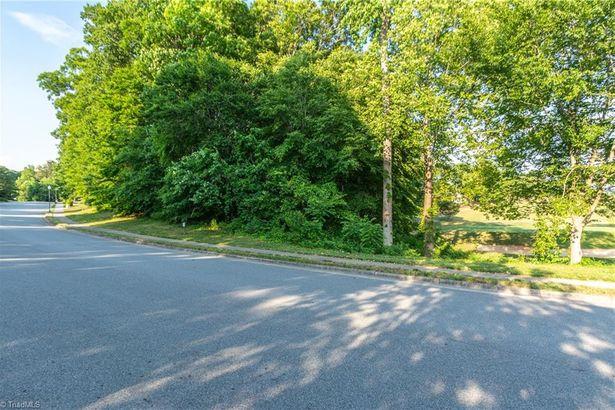 3911 Dover Park Road