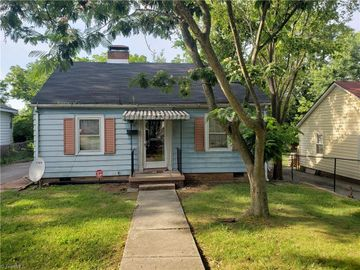 3903 Oak Grove Avenue, Greensboro, NC, 27405,