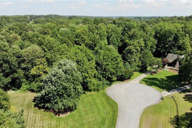 2403 Hunters Ridge Drive
