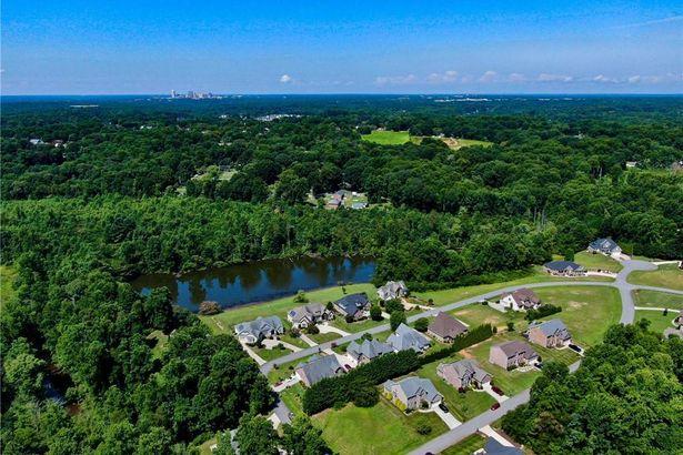 408 Spring Lake Farm Circle