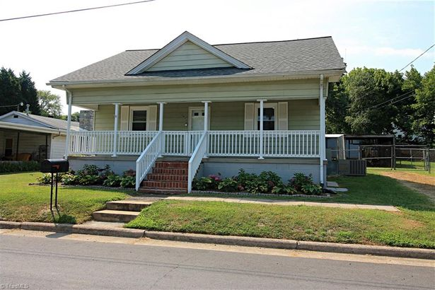 1408 Front Street