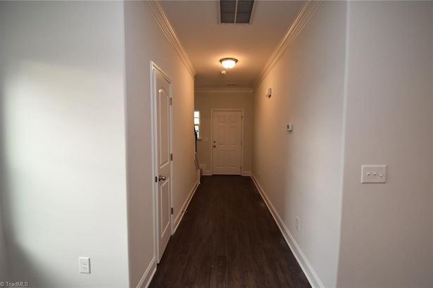 5202 Carol Avenue #11