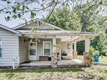 372 Old Plank Road, Seagrove, NC, 27341,