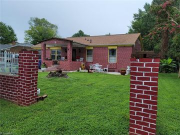 1602 Woodridge Avenue, Greensboro, NC, 27405,