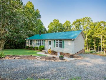 1125 Fox Hills Road, Pinnacle, NC, 27043,