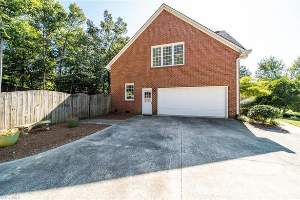 427 Lagerfield Court