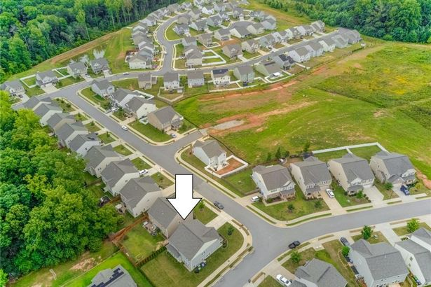 1201 Quail Heights Drive