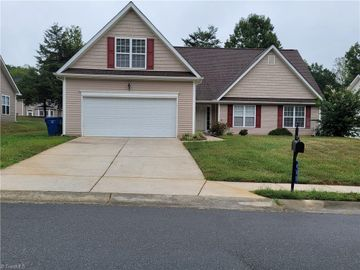 805 Hawthorn Ridge Drive, Whitsett, NC, 27377,