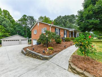 6130 Stanleyville Drive, Rural Hall, NC, 27045,
