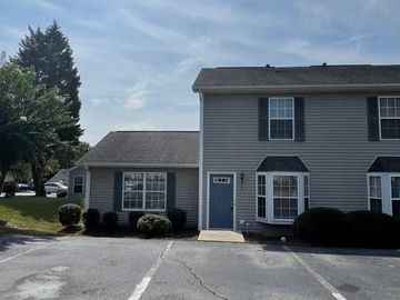 1 Portside Court, Greensboro, NC, 27406,