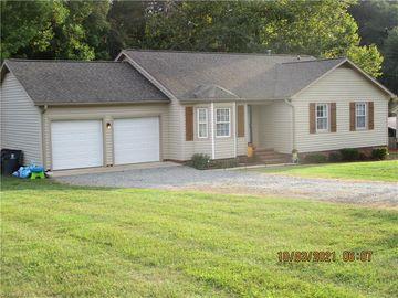 9305 Smoke Hollow Road, Kernersville, NC, 27284,
