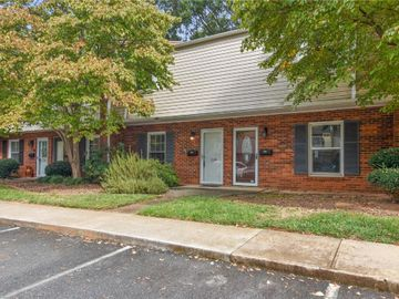 129 Vineyard Park Road, Winston Salem, NC, 27104,