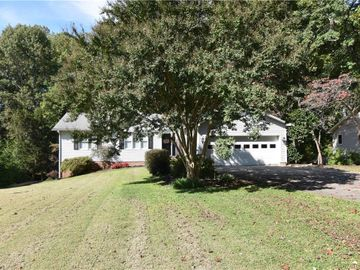 227 Winterberry Drive, Thomasville, NC, 27360,