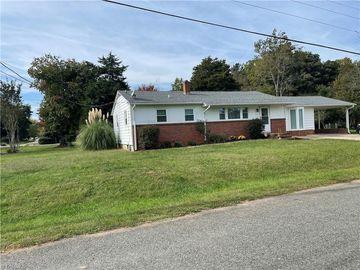 5704 MERRY DALE Drive, Winston Salem, NC, 27105,