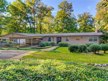 4400 Woodlark Court, Clemmons, NC, 27012,
