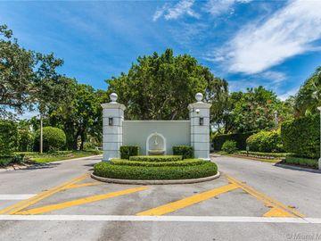4445 Lake Rd, Miami, FL, 33137,