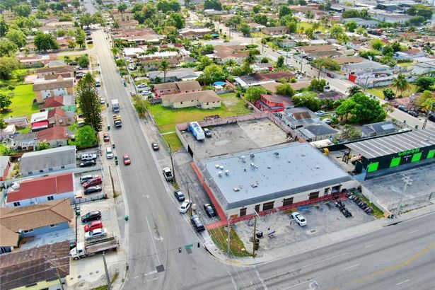 3168 NW 28th St