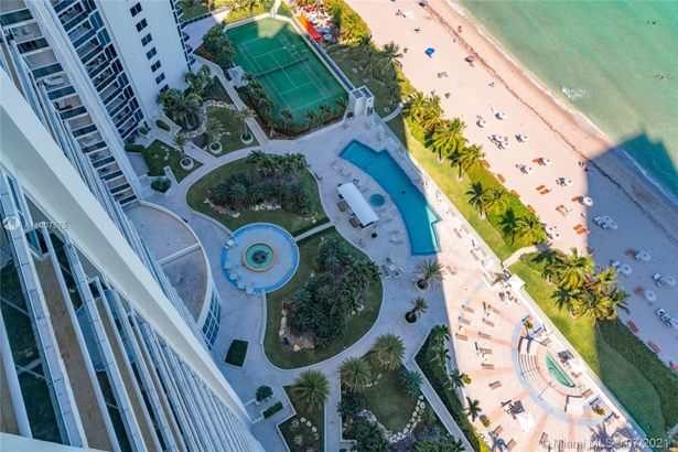 19111 Collins Ave #2607