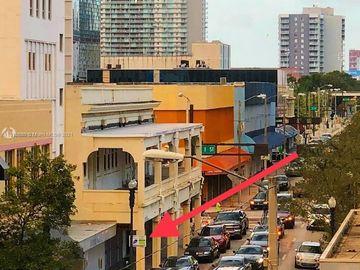 24 N Miami Ave, Miami, FL, 33128,