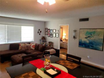 100 Berkley Rd #207, Hollywood, FL, 33024,