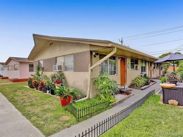 6233 Dawson St, Hollywood, FL, 33023,