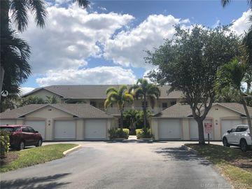 338 Newport Drive #1804, Naples, FL, 34114,