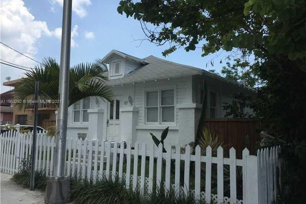 127 SW 8th Ave
